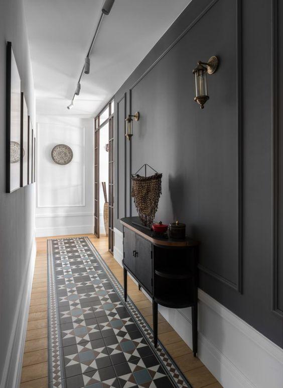 Decorer un long couloir