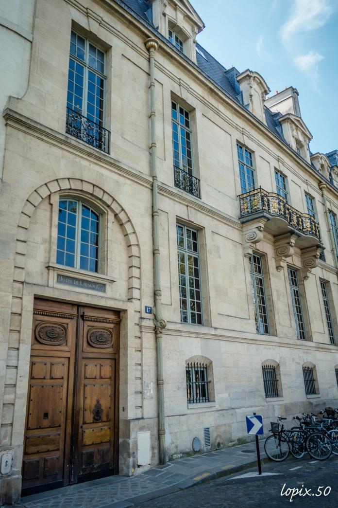 balade-sur-l'ile-saint-louis-au-coeur-de-paris-absolutelyfemme.com